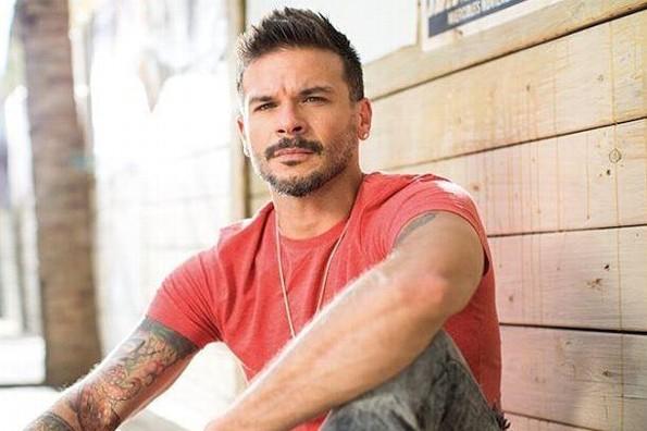 Pedro Capó apuesta a la nostalgia noventera con  'Azúcar Amargo'  de Fey (+VIDEO)