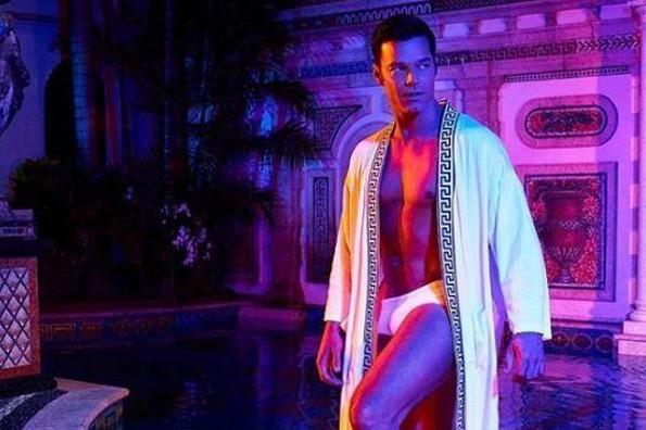 Ricky Martin levanta pasiones con imágenes sobre su participación en Versace (+FOTOS)