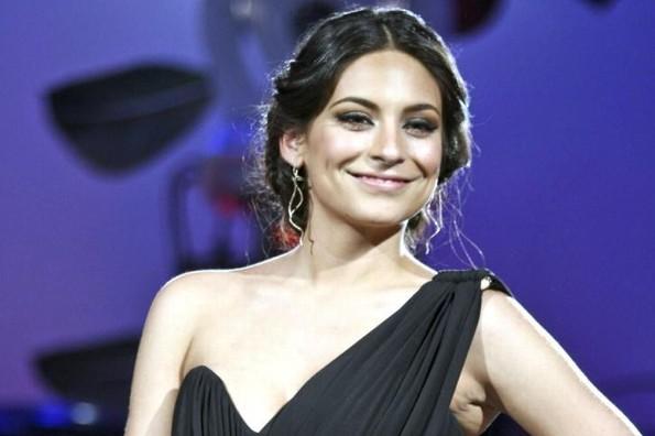 Ana Brenda Contreras retoma su carrera musical interpretando tema de telenovela