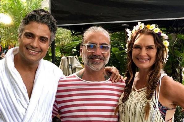 ¿Qué hacen juntos Alejandro Fernández, Jaime Camil y Brooke Shields?