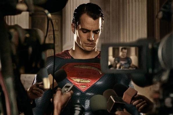 ¡Alto a todo! Henry Cavill sigue y seguirá siendo Superman