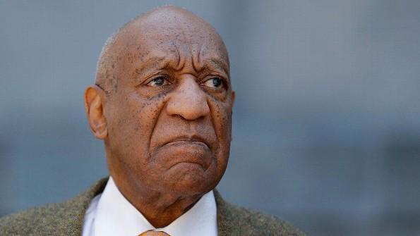 Bill Cosby recibe de 3 a 10 años de cárcel ¡por abuso sexual!