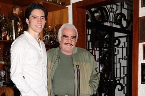 Vicente Fernández producirá el disco de su nieto Alejandro Fernández Jr (+VIDEO)