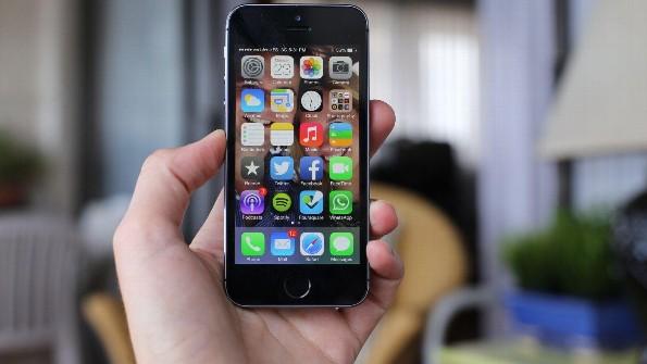 Apple agrega al iPhone 5 en su lista de productos