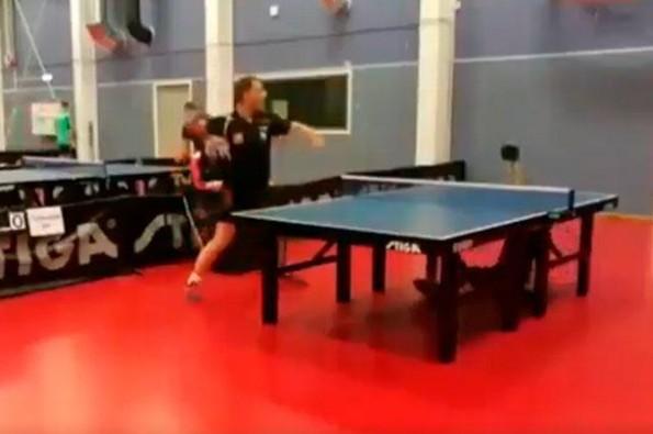 Esta jugada de tenis de mesa te demuestra por qué nunca debes darte por vencido (+VIDEO)