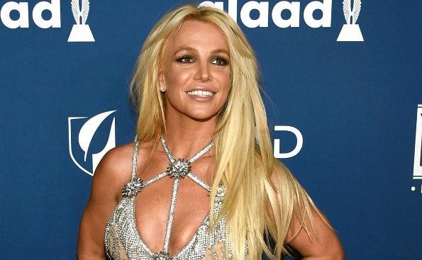 La princesa del pop, Britney Spears, se retira indefinidamente de los escenarios (+FOTO)