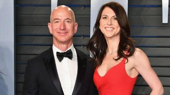 Revelan que Jeff Bezos, el hombre más rico del mundo, se divorció por infiel