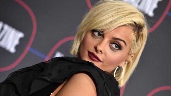 Cantante plus- size se convierte en una de las mejor vestidas en los Grammy #FOTO