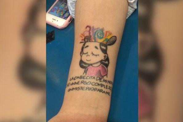 Tatuaje sobre el autismo sorprende a artista #FOTO