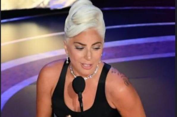 La adorable presentación de Lady Gaga y Bradley Cooper en los Oscar