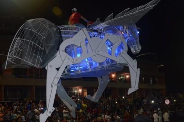 Carnaval de Veracruz sigue en pie sin importar el clima
