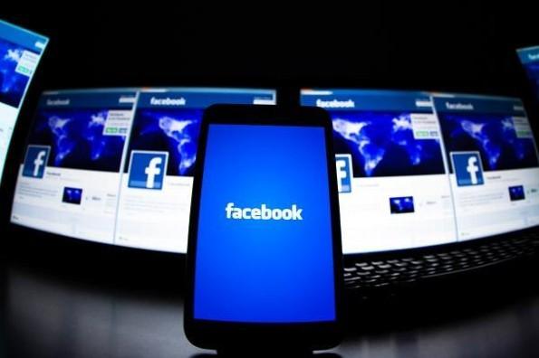 ¿Facebook reembolsará a anunciantes tras caída mundial?