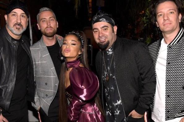 Ariana Grande llega a Coachella con NSYNC #VIDEO