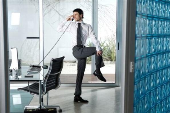 Ejercicios que puedes hacer en la oficina sin que nadie se de cuenta