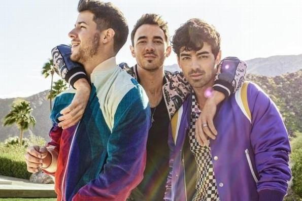 Jonas Brothers cantarán junto a Daddy Yankee, Natti Natasha y Sebastian Yatra