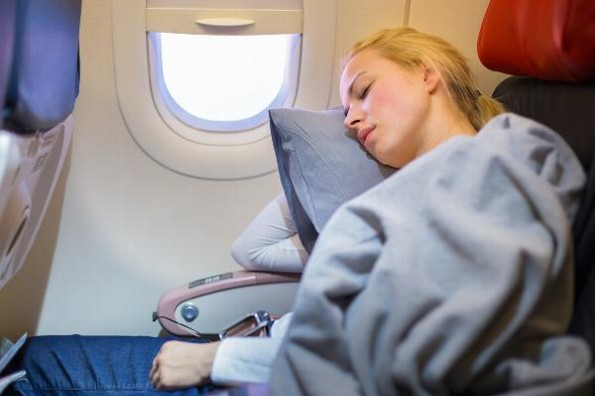 Cuatro consejos para poder dormir en un vuelo