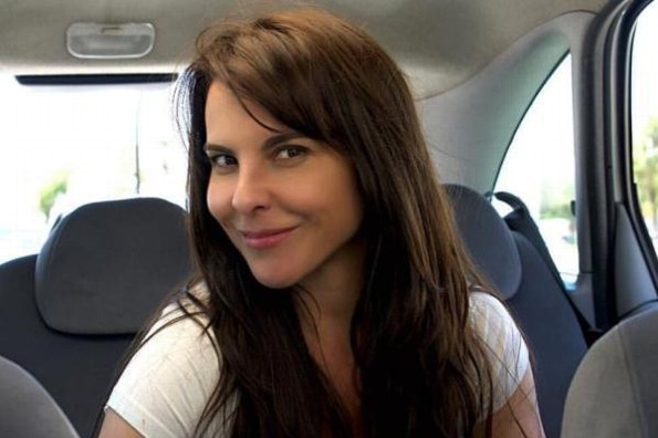 Kate del Castillo se deja consentir con productor de cine
