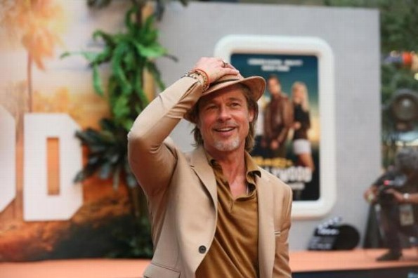 Fan viajó 300 KM para ver a Brad Pitt en México