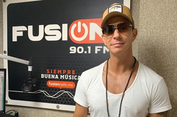 Erik Rubin enamora la cabina de Fusión 90.1 FM