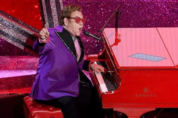 Elton John sorprende con presentación en los #Oscars 2020