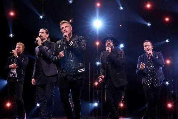 Entre clásicos y nuevos temas, Backstreet Boys desata la locura en CDMX