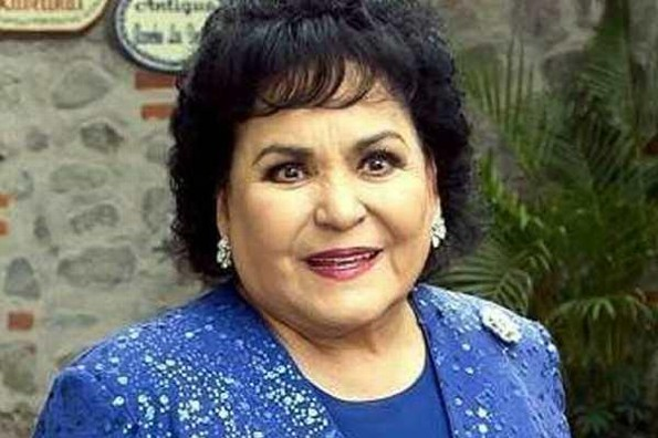 Virus en China fue por andarse comiendo a los perritos: Carmen Salinas (+video)