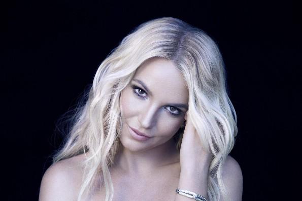 Britney Spears comparte mensaje  y la bautizan como