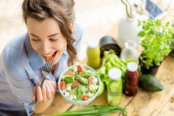 Diez recomendaciones para no subir de peso en cuarentena