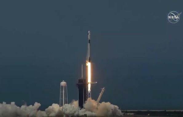 Despega el Space X, inicia nueva era espacial
