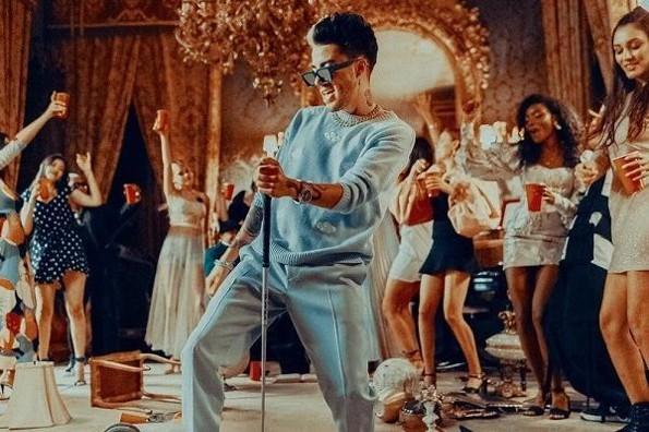 Mario Bautista lanza hoy su canción
