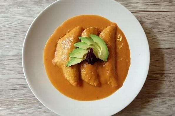 Receta de hoy: Enchiladas rellenas de jamaica con salsa de chipotle