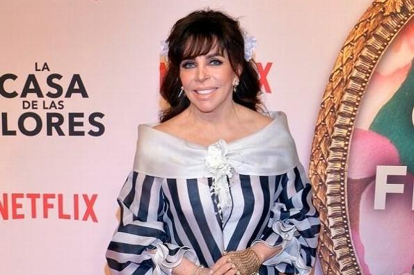 Verónica Castro impacta en redes al aparecer sin maquillaje (+foto)