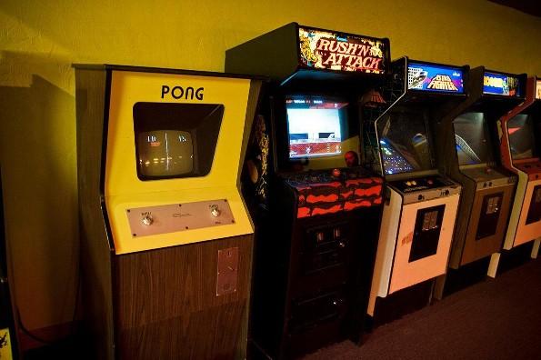 Historia de los primeros vídeo juegos (+video)