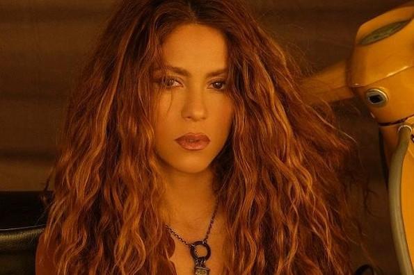 Nueva canción de la icónica Shakira invita a todo el mundo a la pista (+videos)