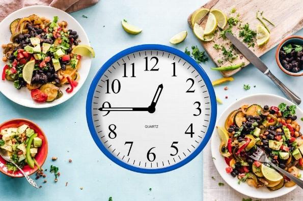 Horarios de desayuno, comida y cena que no sabias