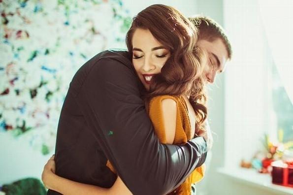 El abrazo debería ser recetado por los médicos