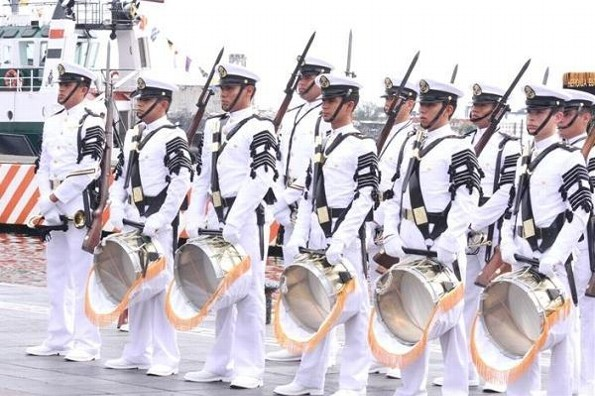 Hoy lunes en Veracruz, desfile por los 200 años de la Armada de México