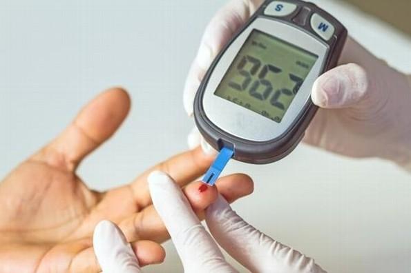 Exhortan a pacientes con diabetes acudir a chequeos médicos