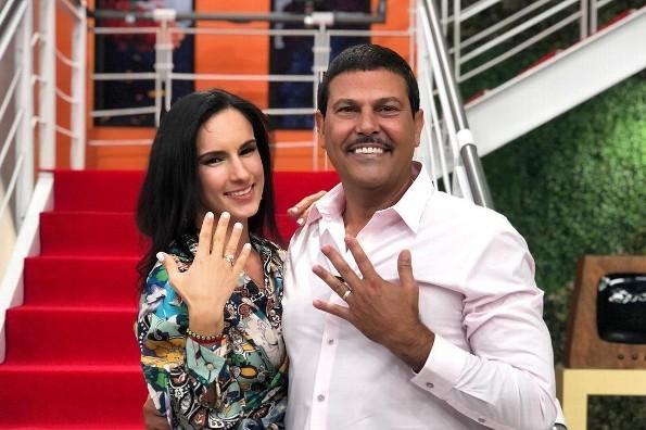 Novia de Francisco Gattorno le pide matrimonio durante programa en vivo